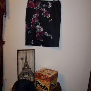 WHITE HOUSE BLACK MARKET SILK SKIRT FLOWERS 6